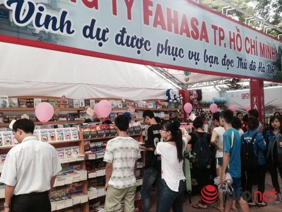 Tưng bừng khai mạc Triển lãm, Hội chợ Sách quốc tế - Việt Nam 2015 ảnh 4