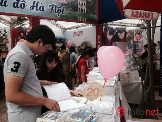 Tưng bừng khai mạc Triển lãm, Hội chợ Sách quốc tế - Việt Nam 2015 ảnh 7