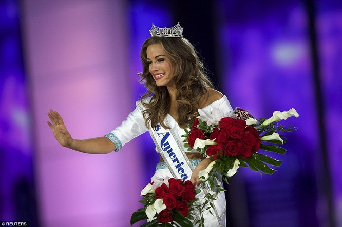 Nhan sắc người đẹp 21 tuổi đoạt vương miện Hoa hậu Mỹ 2016 ảnh 1