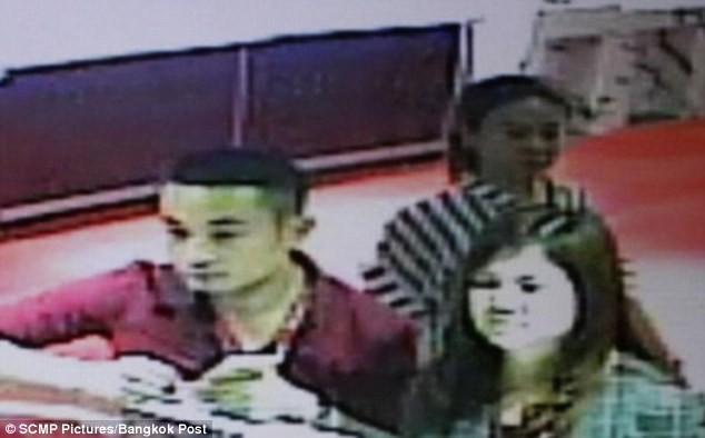 Cặp đôi Trung Quốc đánh cắp kim cương đã bị nhận dạng thông qua camera giám sát