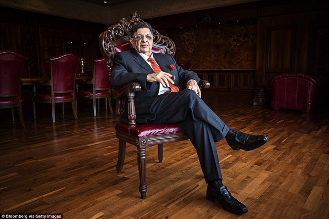 Nhà tỷ phú 74 tuổi, chuyên sản xuất vaccine là người giàu thứ 11 tại Ấn Độ với tài sản lên tới hơn 6,6 tỷ USD.