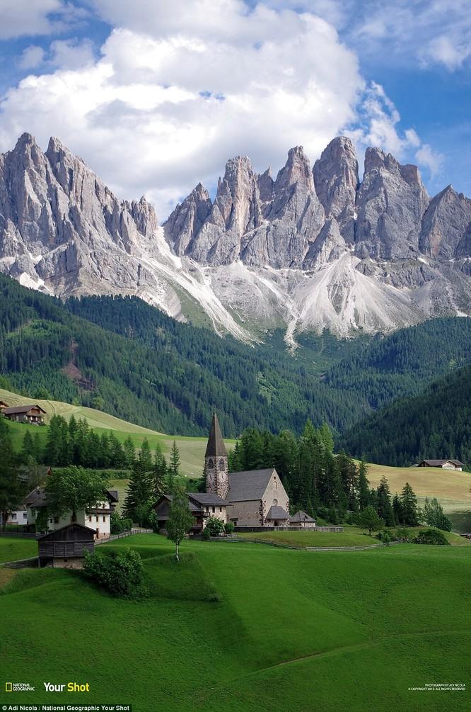 Thương lũng và những ngọn đồi xinh đẹp Funes của đất nước Ý