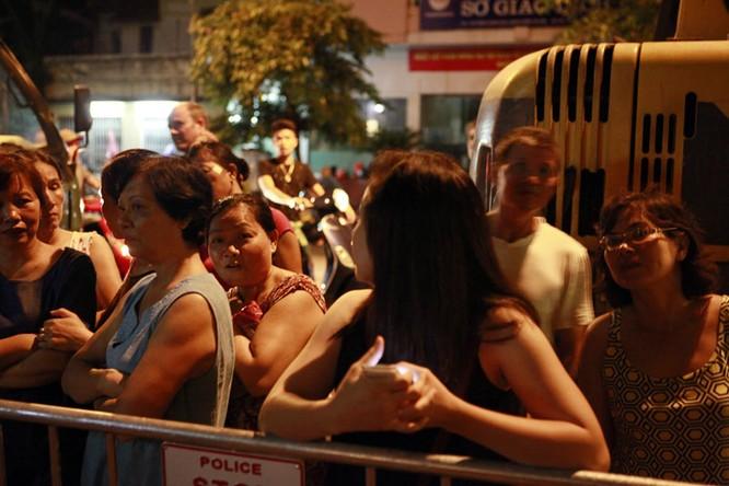 35 nhân viên thoát chết kỳ diệu trong vụ sập nhà cổ 107 phố Trần Hưng Đạo ảnh 13