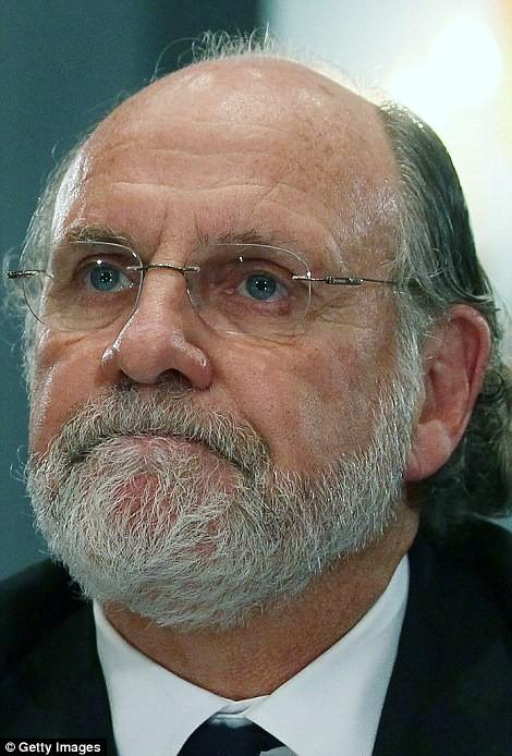 Corzine lúc đó là CEO của Goldman Sachs quyết định không đề bạt Tepper