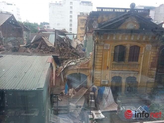 35 nhân viên thoát chết kỳ diệu trong vụ sập nhà cổ 107 phố Trần Hưng Đạo ảnh 1