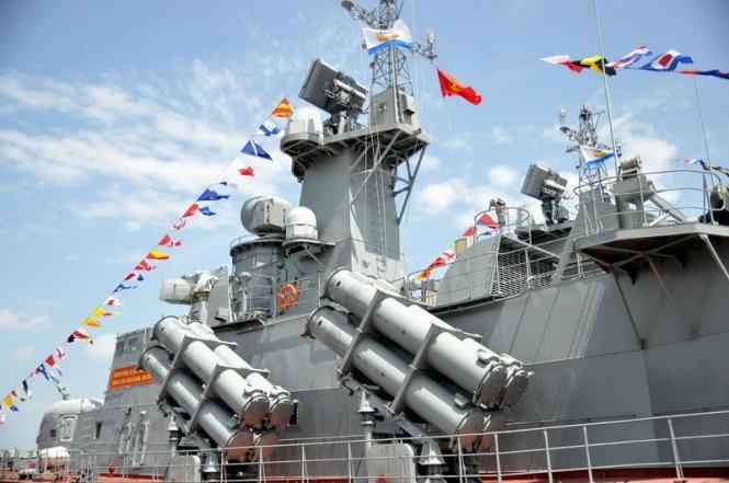 """Hải quân Việt Nam tiếp nhận cặp tàu tên lửa """"Tia chớp"""" thứ hai ảnh 8"""