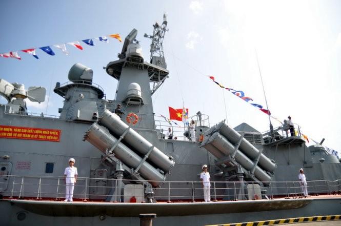 """Hải quân Việt Nam tiếp nhận cặp tàu tên lửa """"Tia chớp"""" thứ hai ảnh 10"""