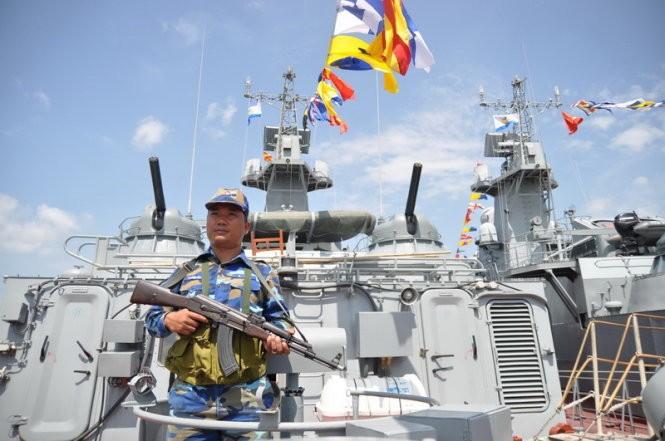 """Hải quân Việt Nam tiếp nhận cặp tàu tên lửa """"Tia chớp"""" thứ hai ảnh 12"""