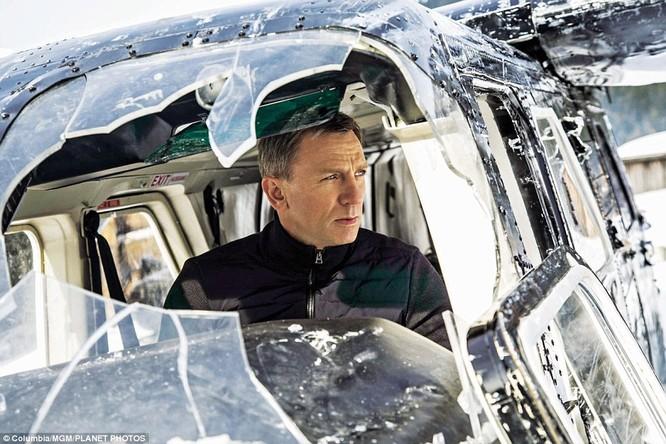 Một pha hành động của Bond tại vùng núi nước Áo