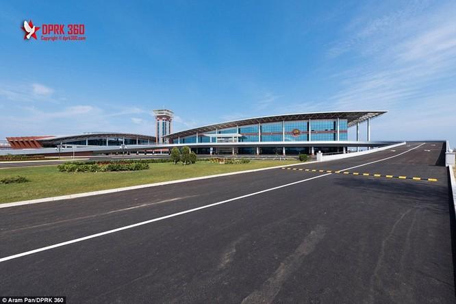 Khám phá bên trong sân bay mới hiện đại nhất Triều Tiên ảnh 11