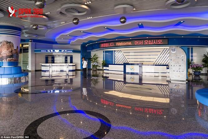 Khám phá bên trong sân bay mới hiện đại nhất Triều Tiên ảnh 4