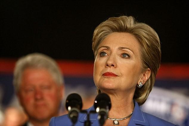 Hillary Clinton đánh chồng trong phòng kín, khủng bố nhân viên ảnh 2