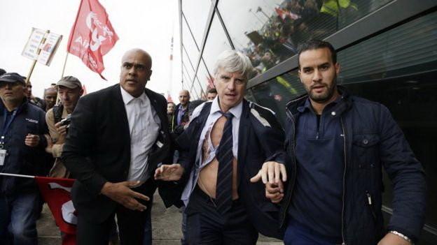 Sếp Air France bị dập te tua, leo rào chạy trốn vì cắt giảm nhân công ảnh 2