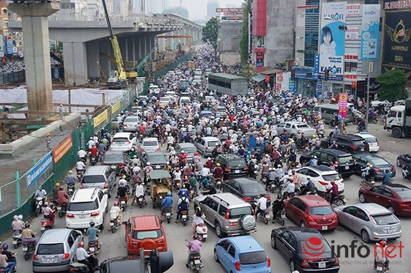 Hà Nội: Nhiều tuyến đường tê liệt suốt sáng vì ùn tắc ảnh 5