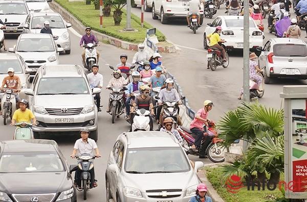 Hà Nội: Nhiều tuyến đường tê liệt suốt sáng vì ùn tắc ảnh 7