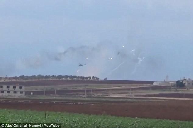 Trực thăng Nga phóng rocket tiêu diệt phiến quân trên chiến trường Syria