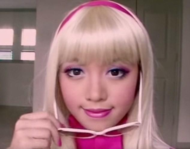 Trang điểm hóa thân thành công chúa Barbie được hơn 62 triệu lượt xem trên YouTube
