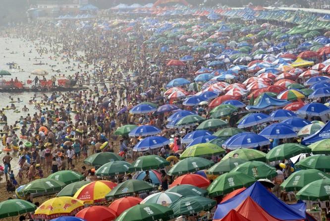 Bãi tắm mùa hè ở Đại Liên, tỉnh Liêu Ninh