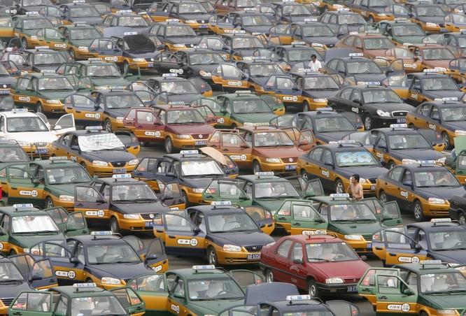 Đội quân taxi khổng lồ ở sân bay quốc tế Bắc Kinh