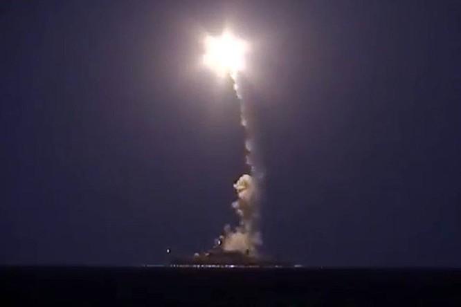 Tàu chiến Nga bắn tên lửa hành trình tầm xa từ biển Caspian đánh khủng bố Syria cách đó 1.500km