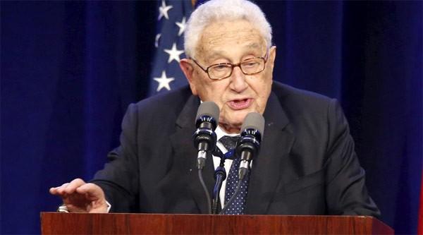 """Ông Putin được cựu Ngoại trưởng Mỹ Henry Kissinger """"bênh"""" ảnh 1"""