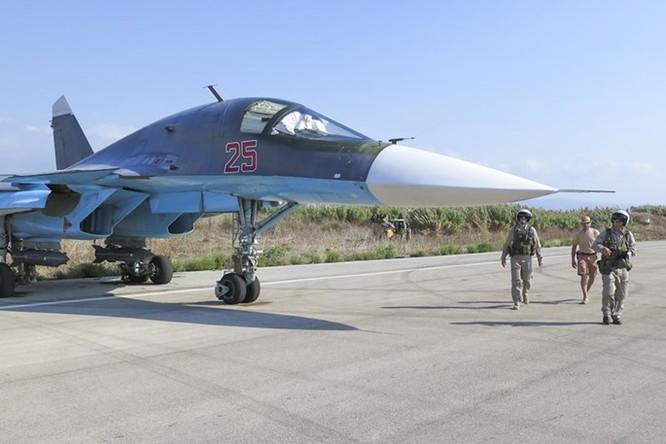 """Phi công Nga """"làm phép"""" trước khi xuất kích ở Syria ảnh 10"""