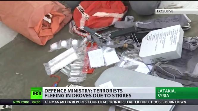 """Phi công Nga tác chiến tại Syria và bộ """"dụng cụ sinh tồn"""" ảnh 1"""