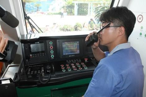 """""""Nội soi"""" tàu điện Cát Linh - Hà Đông Trung Quốc sản xuất cho Việt Nam ảnh 4"""