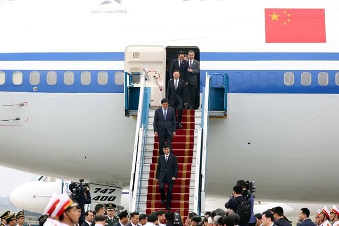 Ông Tập Cận Bình phát biểu gì khi tới sân bay Nội Bài? ảnh 11