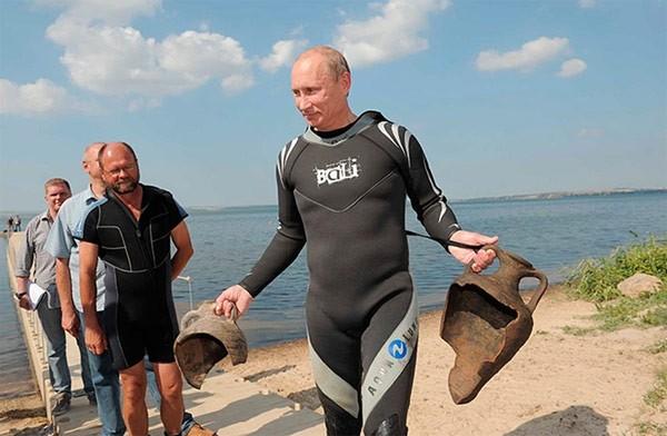 """Putin """"quyền lực nhất"""" thế giới và những khoảnh khắc sức mạnh ảnh 11"""