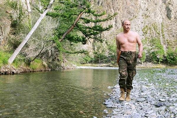 """Putin """"quyền lực nhất"""" thế giới và những khoảnh khắc sức mạnh ảnh 2"""