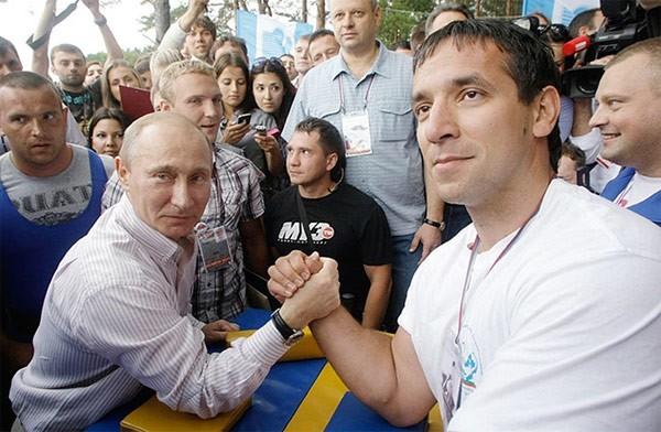 """Putin """"quyền lực nhất"""" thế giới và những khoảnh khắc sức mạnh ảnh 5"""