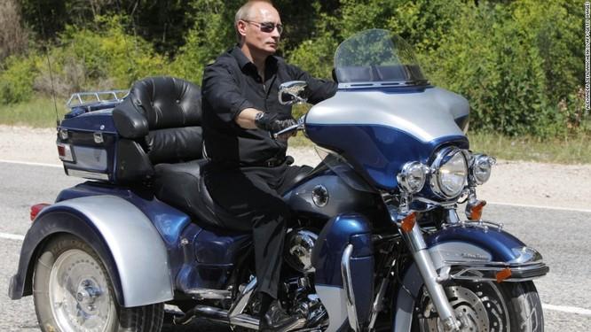 """Putin """"quyền lực nhất"""" thế giới và những khoảnh khắc sức mạnh ảnh 16"""