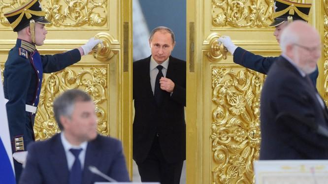 Ông Putin bất ngờ xuất hiện trên chính trường Nga và đã ghi dấu ấn cá nhân đậm nét trong lịch sử nước Nga hiện đại