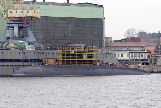 """Ảnh mới hai tàu ngầm Kilo """"hố đen"""" Việt Nam sắp tiếp nhận tại St. Petersburg ảnh 6"""