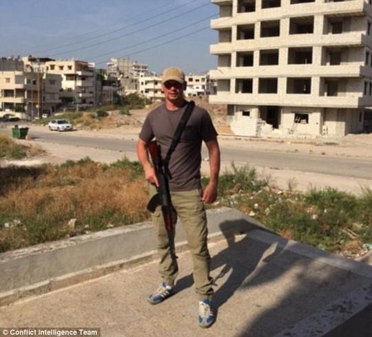 """Rộ tin quân Nga """"xuất hiện"""" tại nhiều địa điểm ở Syria ảnh 2"""