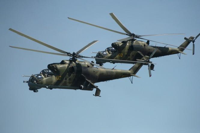 Trực thăng chiến đấu Mi24 và chiến đấu cơ Nga tham gia chiến dịch quân sự tại Syria