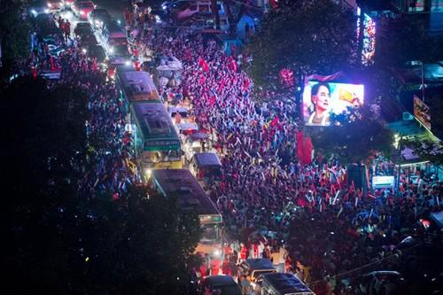 'Quý bà' Myanmar và cuộc chiến lịch sử với các tướng lĩnh quân đội ảnh 1
