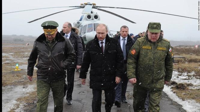 """Putin và """"Ngài khẩn cấp"""" đứng sau chiến dịch quân sự ở Syria, Ukraine ảnh 1"""