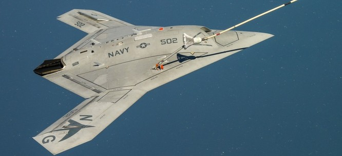 Máy bay không người lái thế hệ mới X-47B