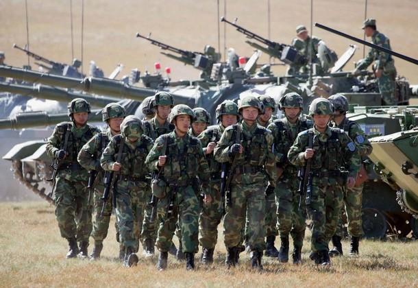Quân đội Trung Quốc thời gian gần đây liên tục tập trận diễu võ giương oai, gây căng thẳng khu vực