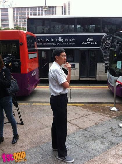 Bộ trưởng dùng xe riêng hoặc xe buýt đi làm, thì có sao? ảnh 1