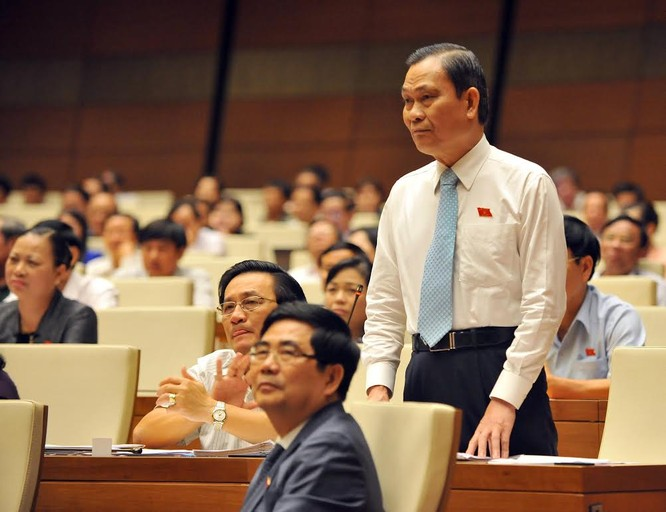Chất vấn nảy lửa Chủ tịch QH - Bộ trưởng Nội vụ ảnh 1