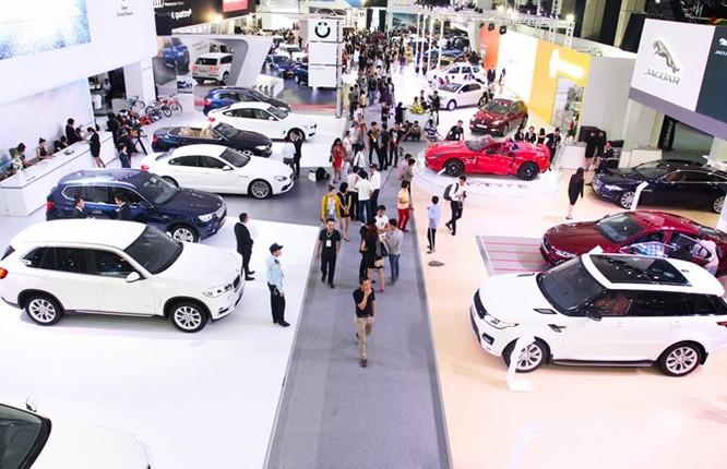 Ôtô nhập khẩu về Việt Nam tăng giá mạnh từ 1/1/2016 ảnh 2