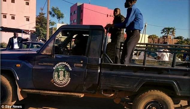 Khủng bố tại khách sạn Mali, hai tay súng đã chết ảnh 8