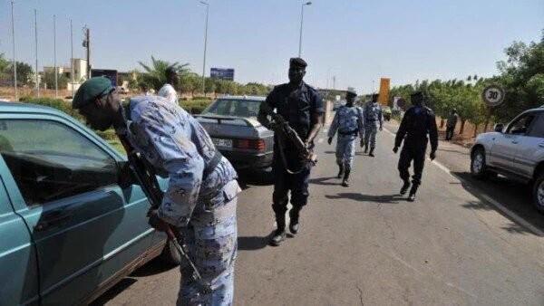 Khủng bố tại khách sạn Mali, hai tay súng đã chết ảnh 5