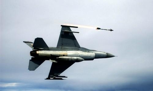 Thổ Nhĩ Kỳ bắn hạ Su-24 Nga bằng tên lửa hiện đại bậc nhất thế giới ảnh 2