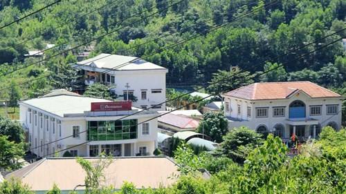 Trụ sở khang trang của huyện nghèo đòi xây trung tâm hành chinh 100 tỉ ảnh 11
