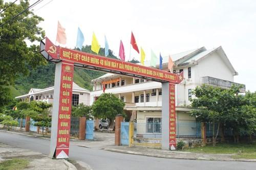Trụ sở khang trang của huyện nghèo đòi xây trung tâm hành chinh 100 tỉ ảnh 5