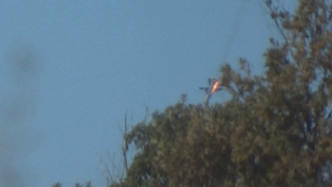 Máy bay Nga trúng tên lửa Thổ Nhĩ Kỳ bốc cháy và rơi xuống vùng núi tỉnh Latakia
